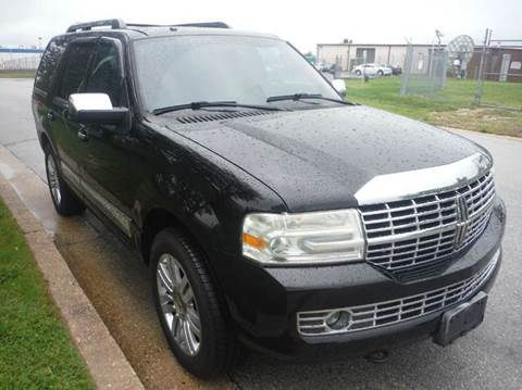 2007 Lincoln Navigator for sale at TruckMax in N. Laurel MD