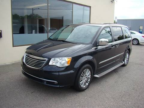 2014 Chrysler Town and Country for sale in Wawrick, RI