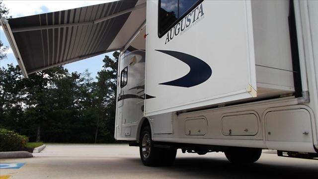 2008 Holiday Rambler Augusta 252DS MOTOR HOME  - Humble TX