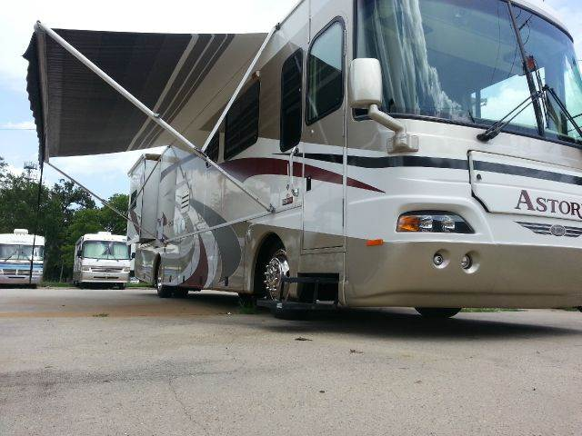 2006 Damon Astoria for sale at Texas Best RV in Humble TX