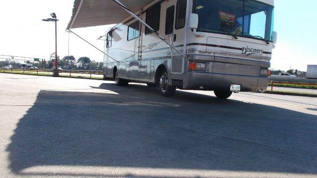 1998 Fleetwood Discovery for sale at Texas Best RV in Humble TX