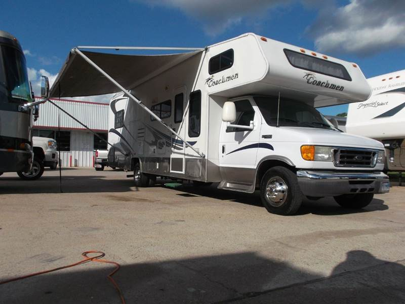 2005 Coachmen Leprechaun m-314 for sale at Texas Best RV in Humble TX