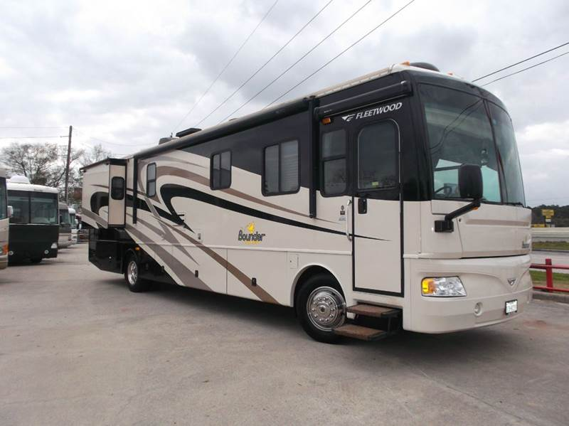 2007 Fleetwood Bounder 38V for sale at Texas Best RV in Humble TX