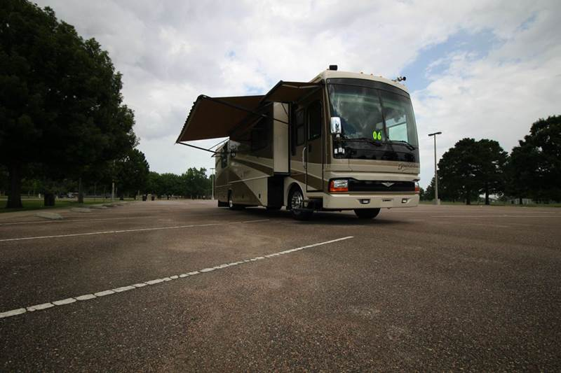 2006 Fleetwood Discovery 39S for sale at Texas Best RV in Humble TX