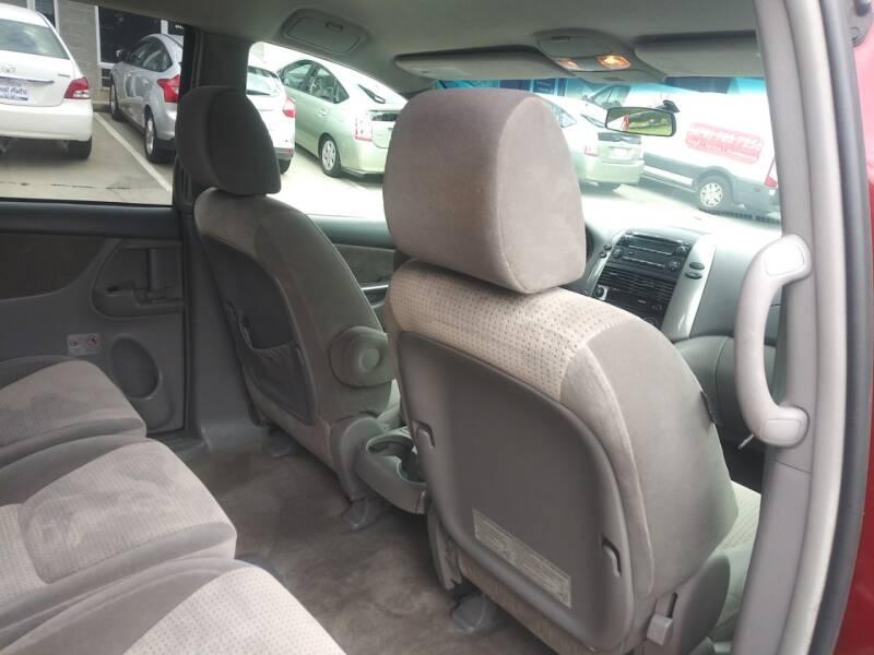 2010 Toyota Sienna LE 7-Passenger 4dr Mini-Van - Alpharetta GA
