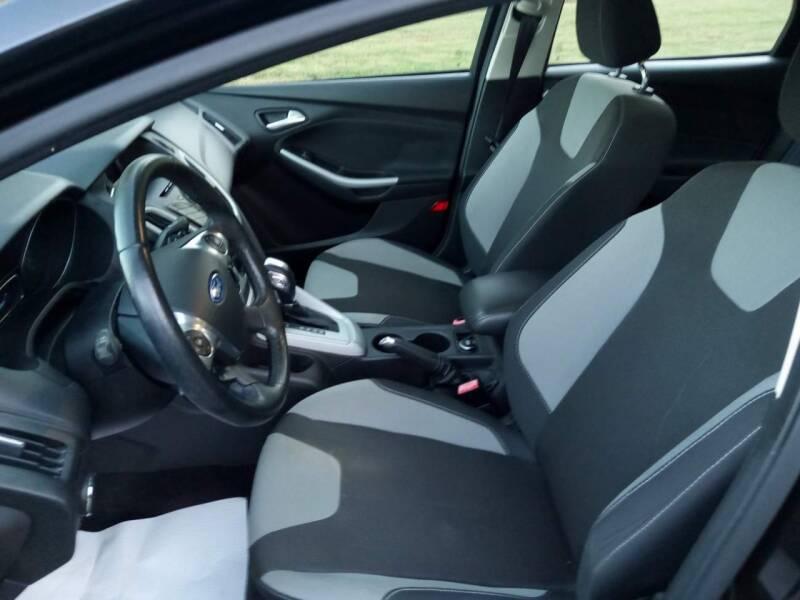 2012 Ford Focus SE 4dr Hatchback - Alpharetta GA