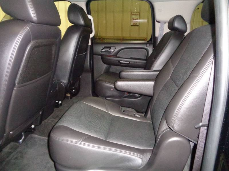 2009 Chevrolet Suburban 4x4 LTZ 1500 4dr SUV - Fargo ND