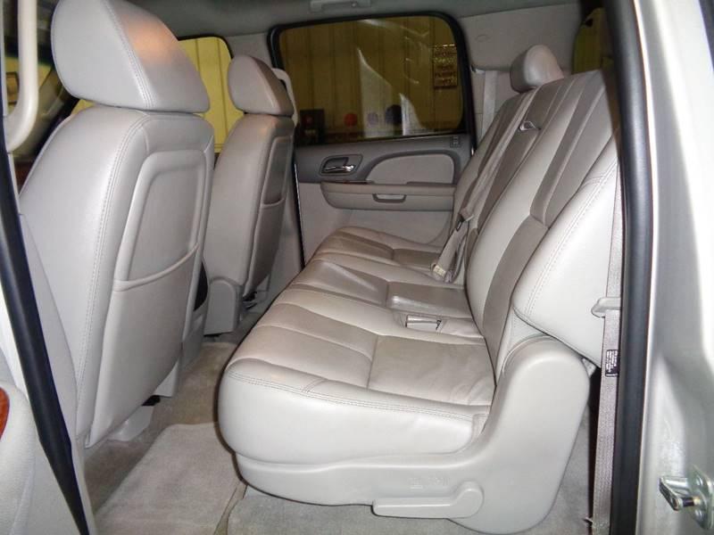 2007 GMC Yukon XL SLT 1500 4dr SUV 4x4 w/4SB w/ SLT-2 Package - Fargo ND