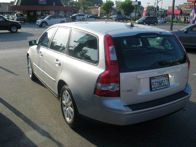 2006 Volvo V50 for sale at Auto Wholesale Outlet in North Hollywood CA