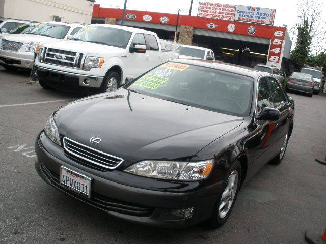 2001 Lexus ES 300 for sale at Auto Wholesale Outlet in North Hollywood CA