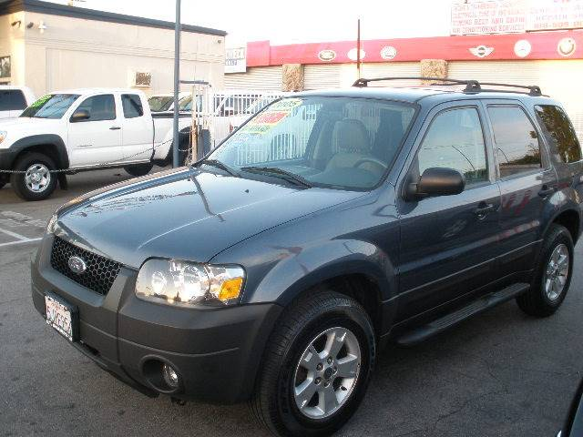 2005 Ford Escape for sale at Auto Wholesale Outlet in North Hollywood CA