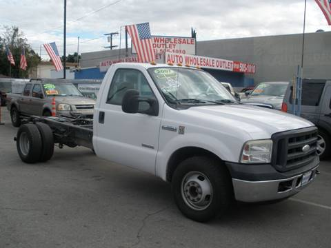2007 Ford F-350 Super Duty XL for sale at AUTO WHOLESALE OUTLET in North Hollywood CA