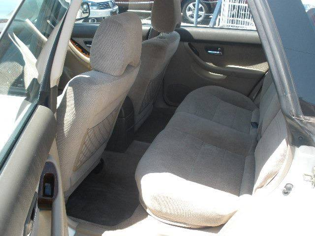 2002 Subaru Outback for sale at Auto Wholesale Outlet in North Hollywood CA