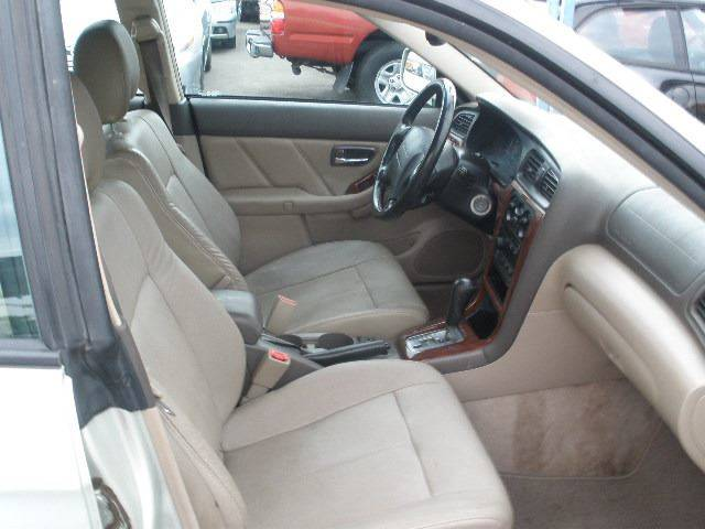 2004 Subaru Outback for sale at Auto Wholesale Outlet in North Hollywood CA