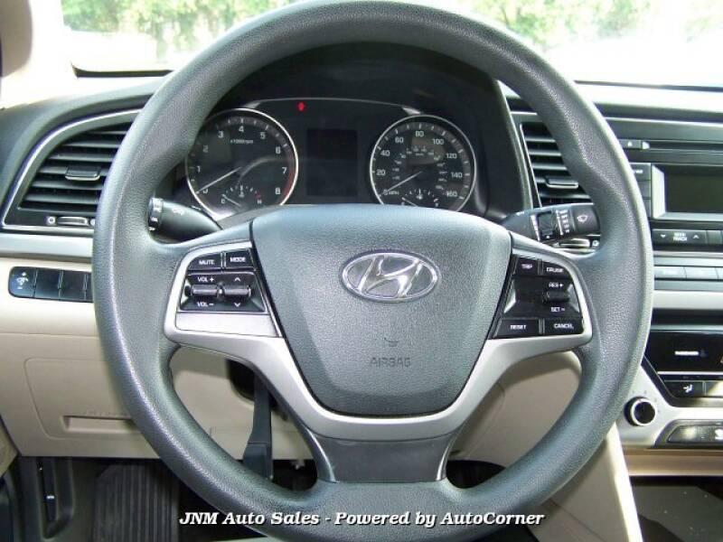 2017 Hyundai Elantra 4D SEDAN SE  Automatic - Leesburg VA