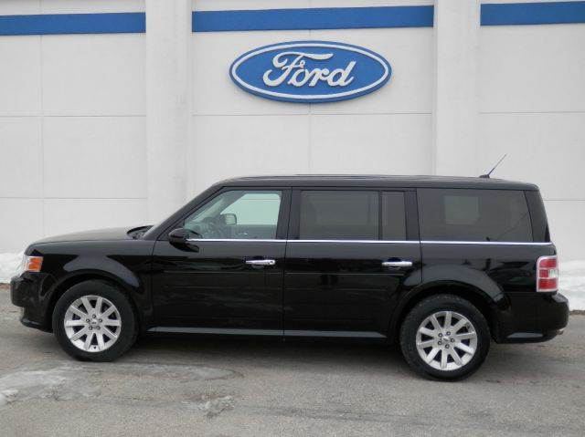 2009 Ford Flex for sale at Welterlen Motors in Edgewood IA