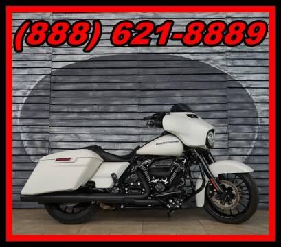 2018 Harley-Davidson Street Glide for sale at AZautorv.com in Mesa AZ