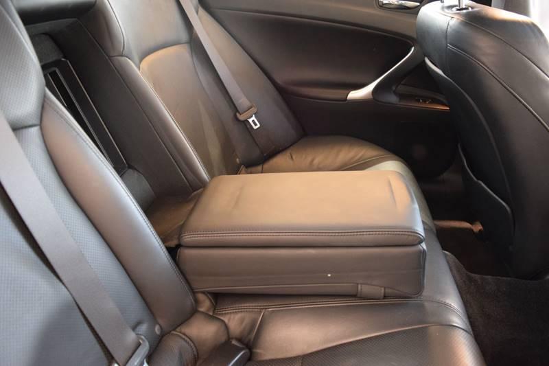 Image 10 of Lexus: IS Base 4dr Sedan…