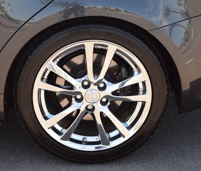 Image 16 of Lexus: IS Base 4dr Sedan…