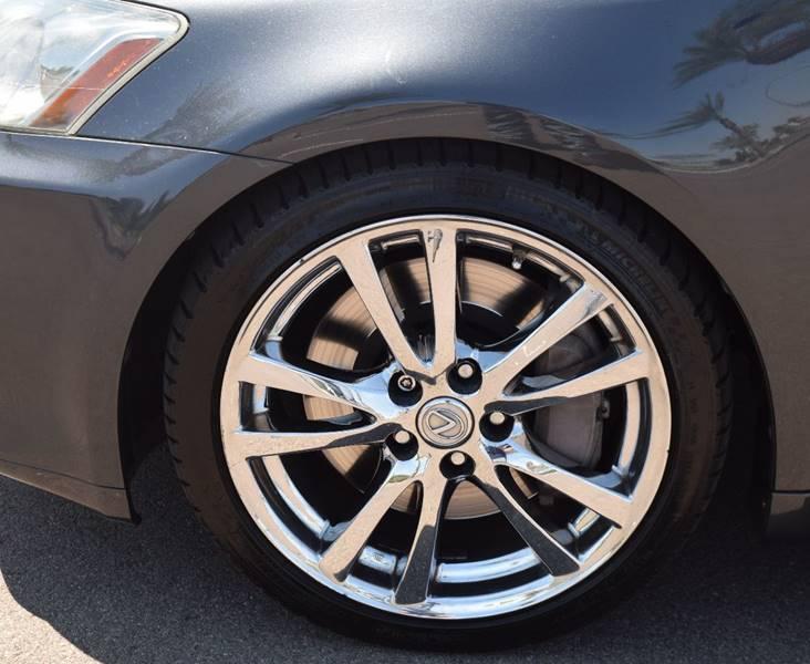 Image 17 of Lexus: IS Base 4dr Sedan…