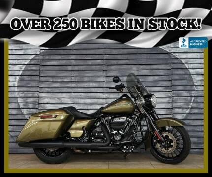 2018 Harley-Davidson Road King for sale at AZautorv.com in Mesa AZ