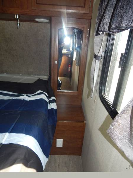 2017 Freedom Express FET275BHS Coachman  - Mcalester OK