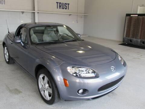 2008 Mazda MX-5 Miata for sale at TANQUE VERDE MOTORS in Tucson AZ