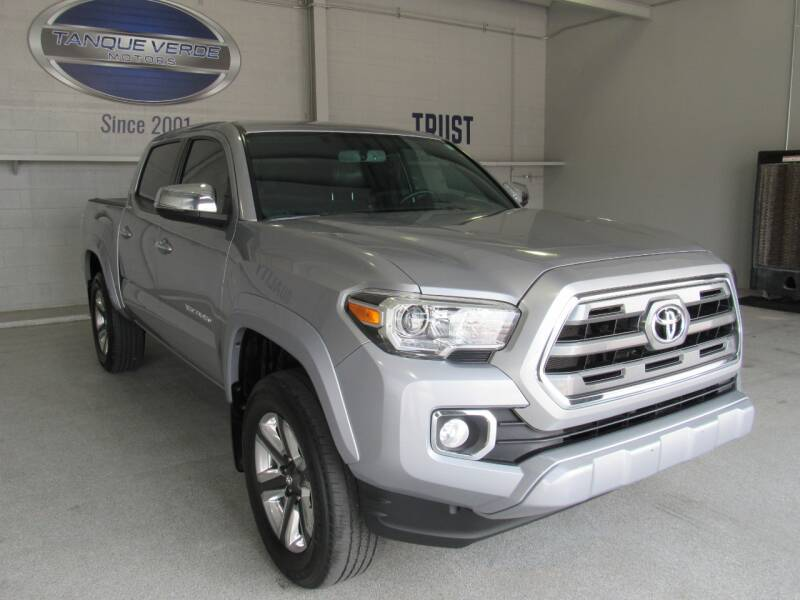2017 Toyota Tacoma for sale at TANQUE VERDE MOTORS in Tucson AZ
