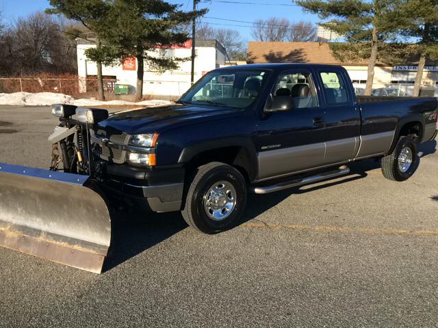 2004 Chevrolet Silverado 2500Hd 3/4 Ton for sale at D'Ambroise Auto Sales in Lowell MA