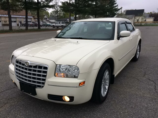 2008 Chrysler 300 for sale at D'Ambroise Auto Sales in Lowell MA