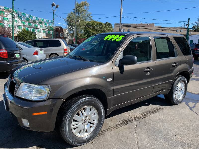 2005 Mercury Mariner for sale at Barnes Auto Group in Chicago IL