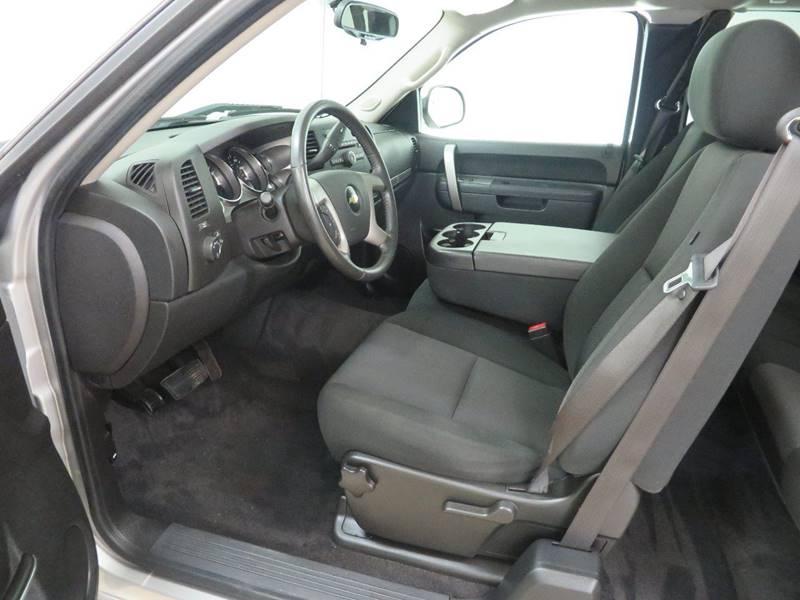 2010 Chevrolet Silverado 1500 4x4 LT 4dr Extended Cab 6.5 ft. SB - Hudsonville MI