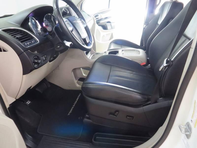 2013 Chrysler Town and Country Touring-L 4dr Mini-Van - Hudsonville MI