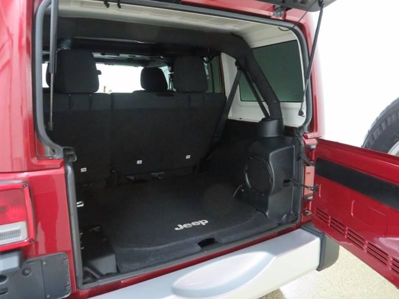 2011 Jeep Wrangler Unlimited 4x4 Sahara 4dr SUV - Hudsonville MI