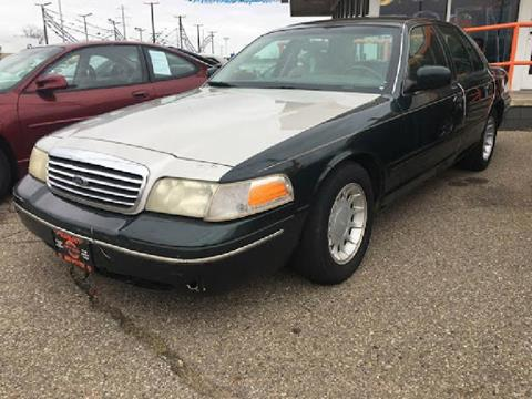 2002 Ford Crown Victoria for sale in Ferndale, MI