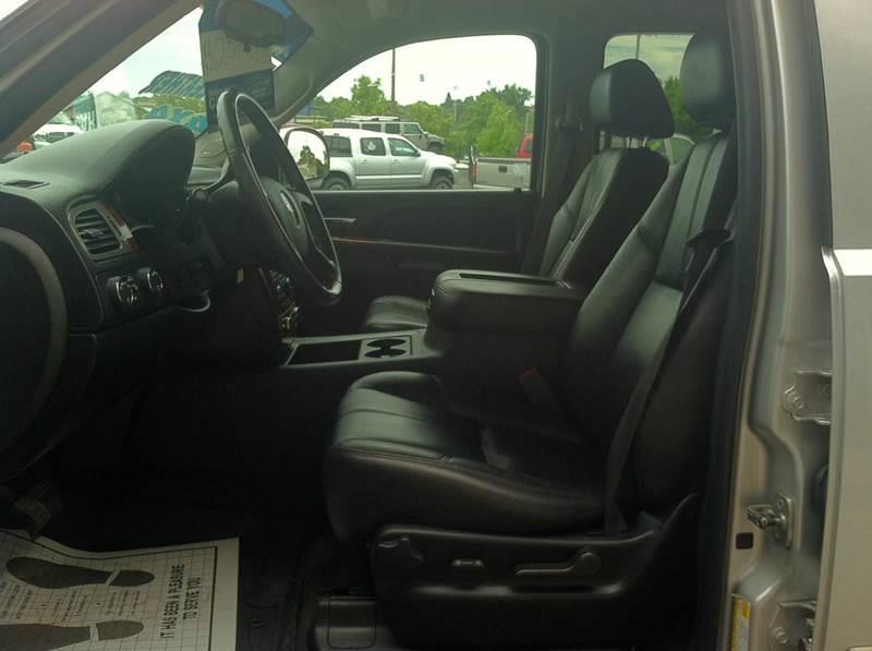 2010 Chevrolet Tahoe LT 4x4 4dr SUV - Redding CA