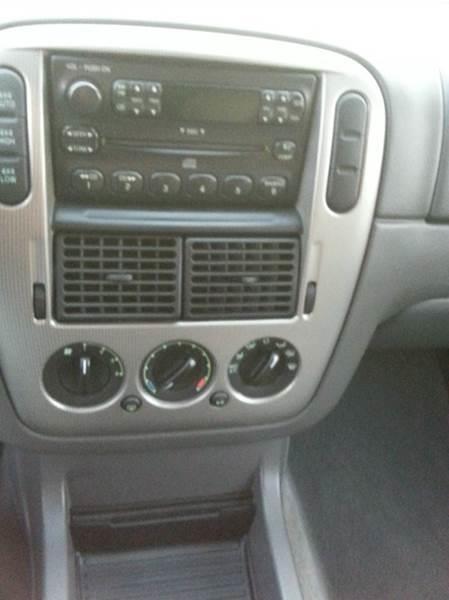 2004 Ford Explorer 4dr XLT 4WD SUV - Waukegan IL
