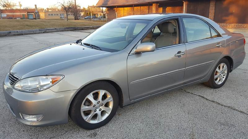 2006 Toyota Camry XLE 4dr Sedan - Mchenry IL