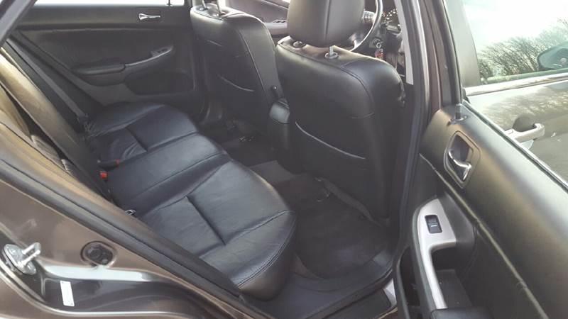 2006 Honda Accord EX 4dr Sedan 5A w/Leather - Waukegan IL