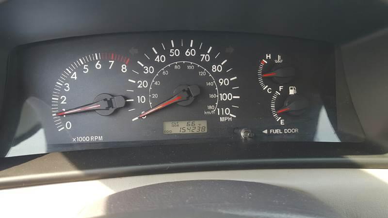 2005 Toyota Corolla LE 4dr Sedan - Waukegan IL