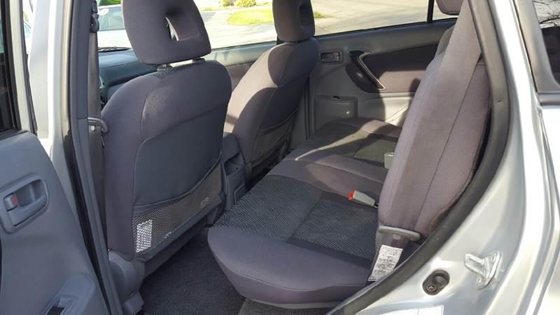 2003 Toyota RAV4 AWD 4dr SUV - Waukegan IL