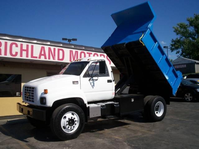 2001 Chevrolet C7500 Dump Truck In Kansas City MO