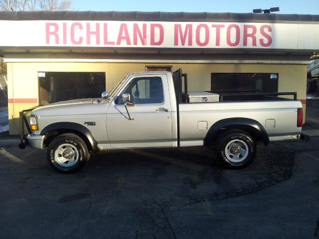 1993 ford f 150 xl reg cab short bed 2wd in kansas city mo commercialtruck sales. Black Bedroom Furniture Sets. Home Design Ideas