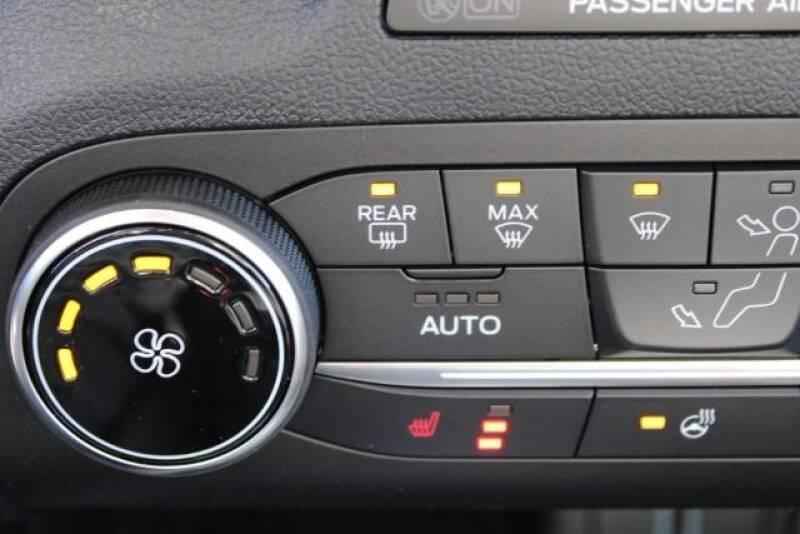 2020 Ford Escape SEL (image 28)