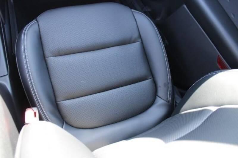 2020 Ford Escape SEL (image 18)