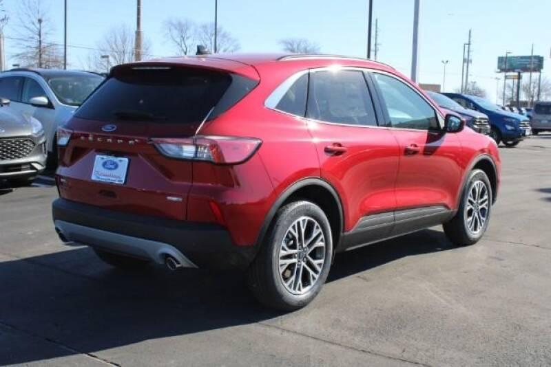 2020 Ford Escape SEL (image 3)