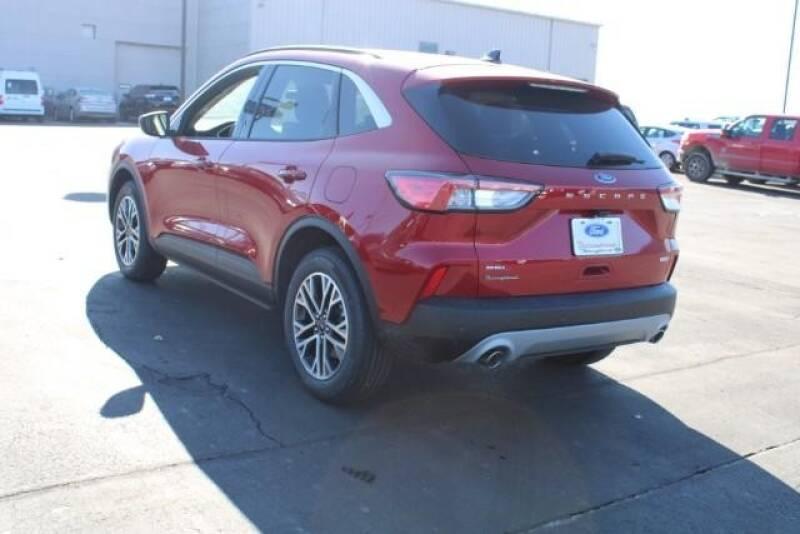 2020 Ford Escape SEL (image 9)