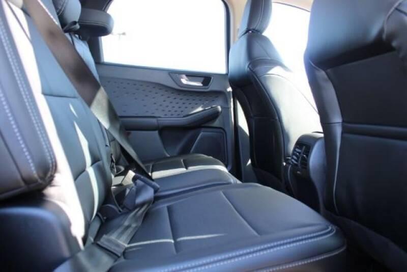 2020 Ford Escape SEL (image 13)