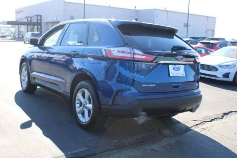 2020 Ford Edge SE (image 6)