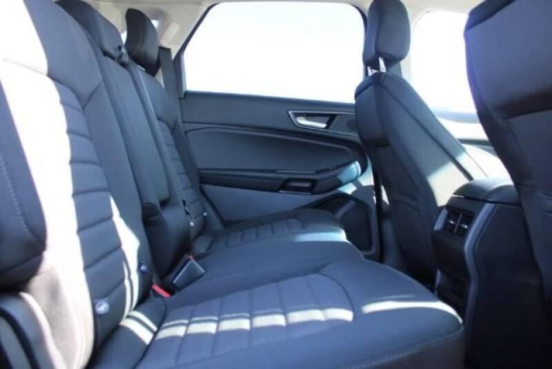2020 Ford Edge SE (image 11)